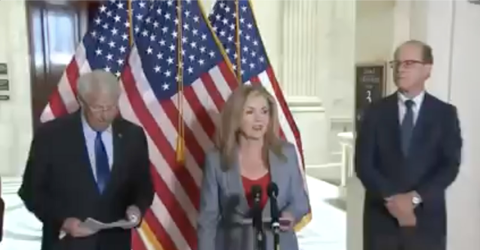 US Senators say official version of covid-19 crisis is a lie